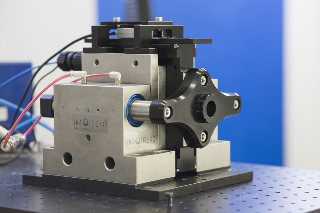 Freeform Manufacturing: a high-precision drive for industrial lathes