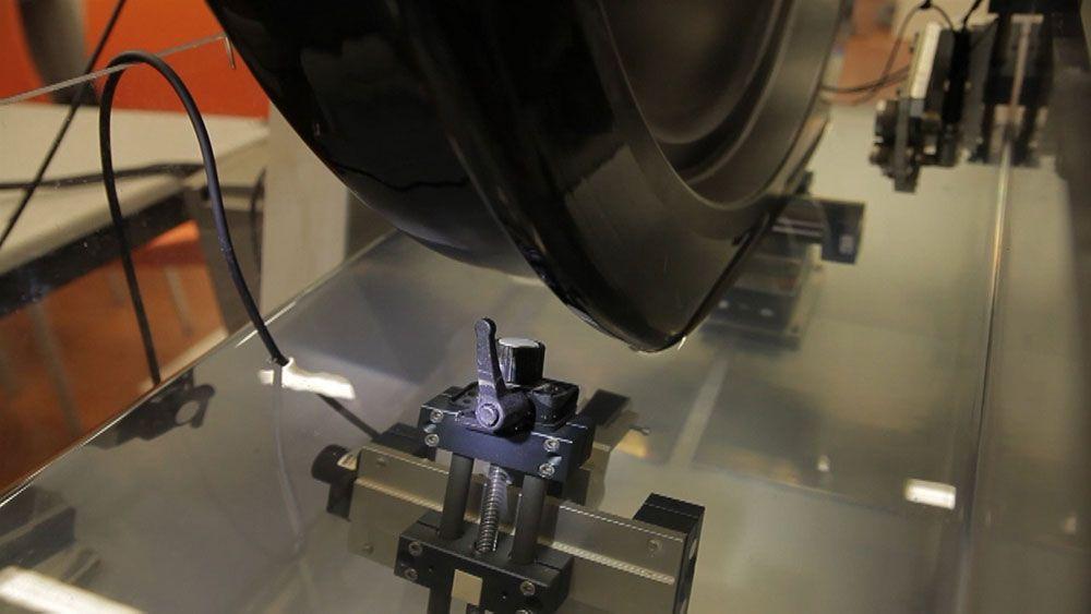 Ruedas de trenes más seguras gracias a la inspección de defectos por ultrasonidos